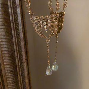 Vintage Avon Butterfly love irredentist necklace